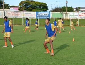 Kaique, jogador do Rolim de Moura (Foto: Magda Oliveira)