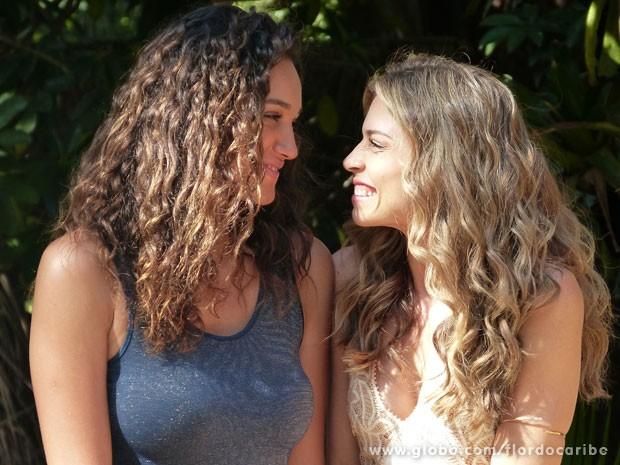 Taís e Ester abrem seu próprio negócio (Foto: Flor do Caribe / TV Globo)