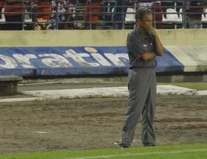 Roberval Davino, técnico do CRB (Foto: Denison Roma / Globoesporte.com)