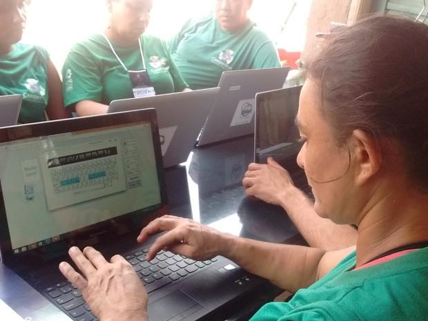Cooperados participaram de curso de inclusão digital oferecido pela UFG em Goiânia Goiás (Foto: Divulgação/UFG)