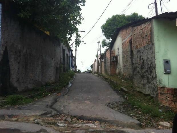 Crime ocorreu no Beco da Horta (Foto: Jamile Alves/G1 AM)