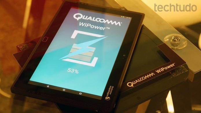 Carregamento rápido nativo no Snapdragon 820 em demonstração (Foto: Fabrício Vitorino / TechTudo)