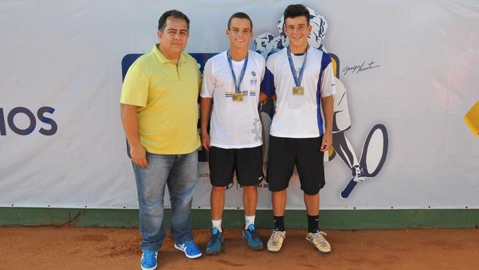 Circuito Juvenil de Tênis - Jesus Tajra (vice-presidente da CBT), Armando Ferreira e João Giannella (Foto: Rubens Lisboa)