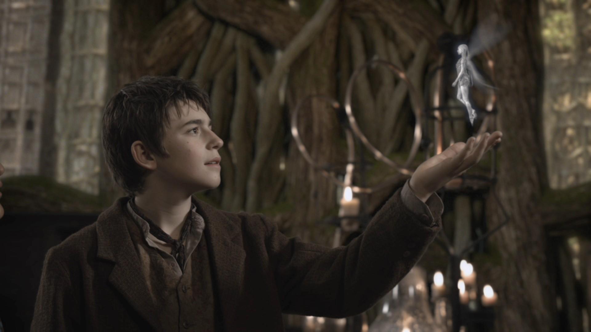 Peter e Sininho em 'Neverland' (Foto: Divulgação )