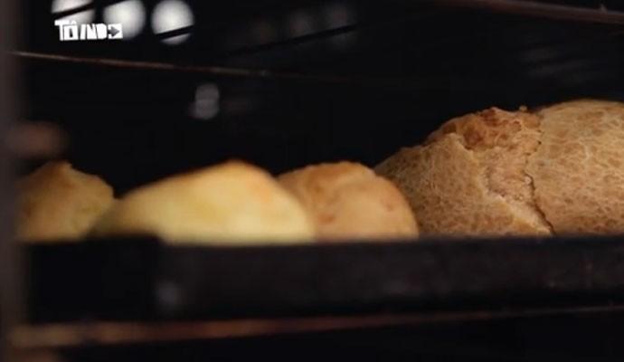 Receita do pão de queijo gigante é tradição de mais de cem anos. (Foto: Divulgação | Tô Indo)
