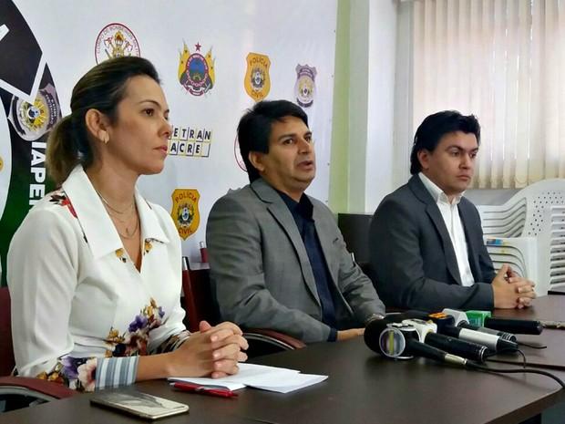 Medida foi anunciada na manhã desta segunda-feira (22) em Rio Branco  (Foto: Iryá Rodrigues/G1)