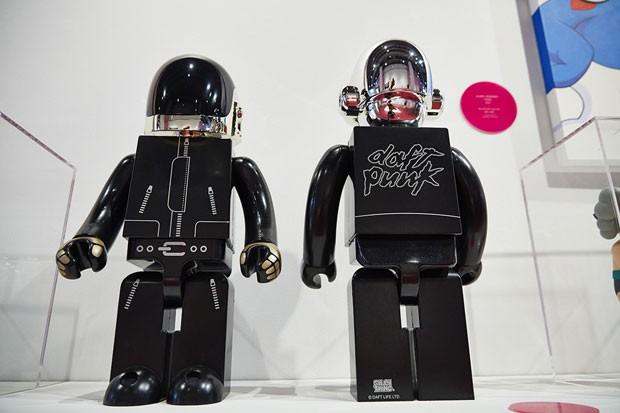 Daft Punk, em versão boneco (Foto: Reprodução)