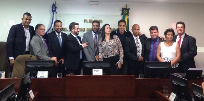 Guerrero posou para foto com relator e auditores (Foto: Rafael Chimelli/GloboEsporte.com)