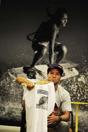 Adriano de Souza Mineirinho Surfe (Foto: Marcos Ribolli)