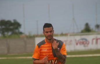 Geandro comenta cobranças e analisa estreia dele com a camisa do CRB