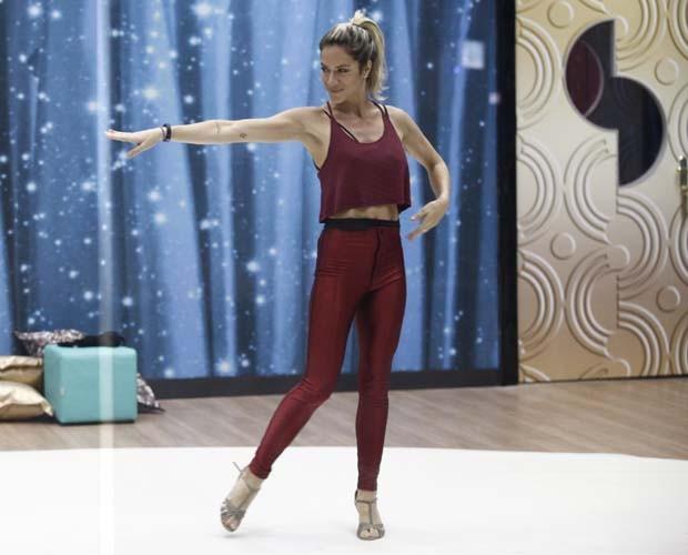 Giovanna Ewbank durante ensaio antes da sua elogiada estreia (Foto: Inácio Moraes / TV Globo)