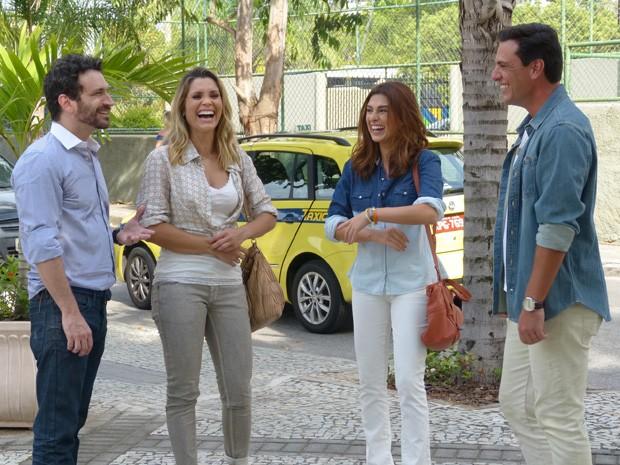 Pura animação! Quarteto é só animação durante gravação de Salve Jorge (Foto: Salve Jorge/TV Globo)