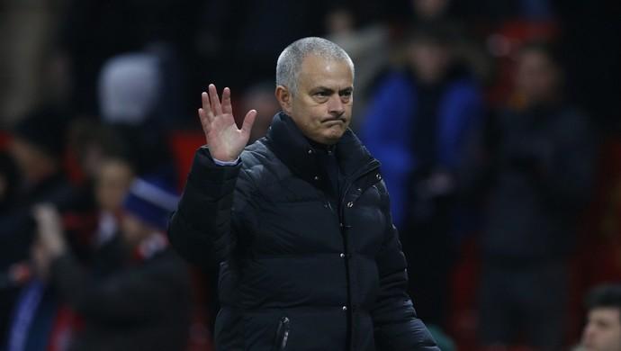José Mourinho Manchester United x Wigan (Foto: Reuters)