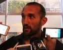 Santos avança em negociação por Barcos após reunião na Argentina