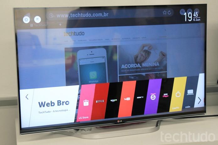 Navegação na Internet, com o sistema operacional da LG, fica mais intuitiva (Foto: Isadora Díaz/TechTudo)