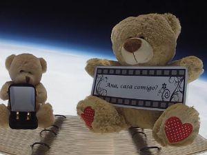 Ursinhos foram enviados junto ao balão (Foto: Reprodução)