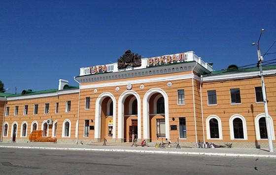 Estação ferroviária em Tiraspol, a segunda cidade da Moldávia e também a capital e o centro administrativo da Transnístria (Foto: © Guilherme Canever)