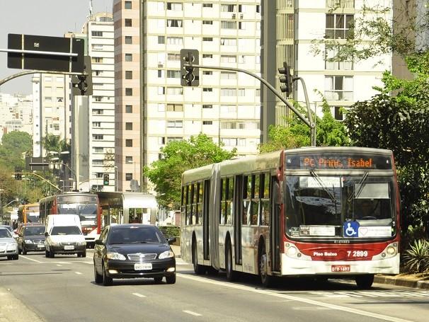 Investimento público em transportes chegou a cair 26%