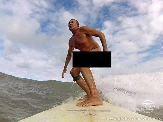 Campeonato de surfe nu na Paraíba atrai naturistas (Foto: Encontro com Fátima Bernardes/TV Globo)