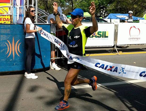 Juvam Palmeira Volta do Lago 2012 corrida eu atleta (Foto: Divulgação)