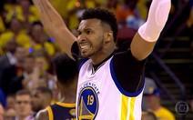 Leandrinho recomeça e brilha na NBA