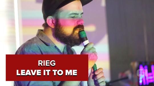 Rieg faz 'trip-hop retrofuturista' com visual distópico inspirado nos anos 80