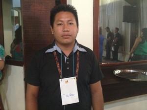 Sileno Apalaí é um dos professores indígenas que foram contratados (Foto: Fabiana Figueiredo/G1)