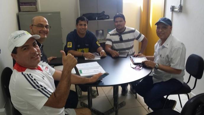 Renato D'Ávila participa de reunião com João Petrolitano e Delmerson Abreu, ambos da Feav (Foto: Divulgação/Feav)