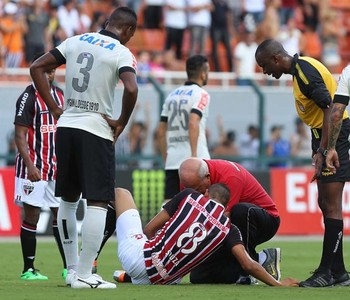 Souza São Paulo (Foto: Rubens Chiri/saopaulofc.net)