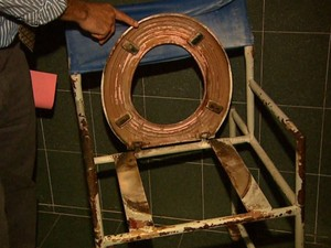 Delegado aponta várias irregularidades em casa de repouso (Foto: Ronaldo Gomes/EPTV)
