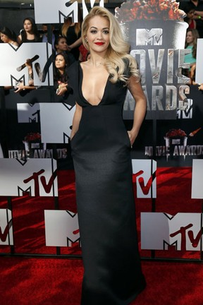 Rita Ora no MTV Movie Awards em Los Angeles, nos Estados Unidos (Foto: Danny Moloshok/ Reuters)
