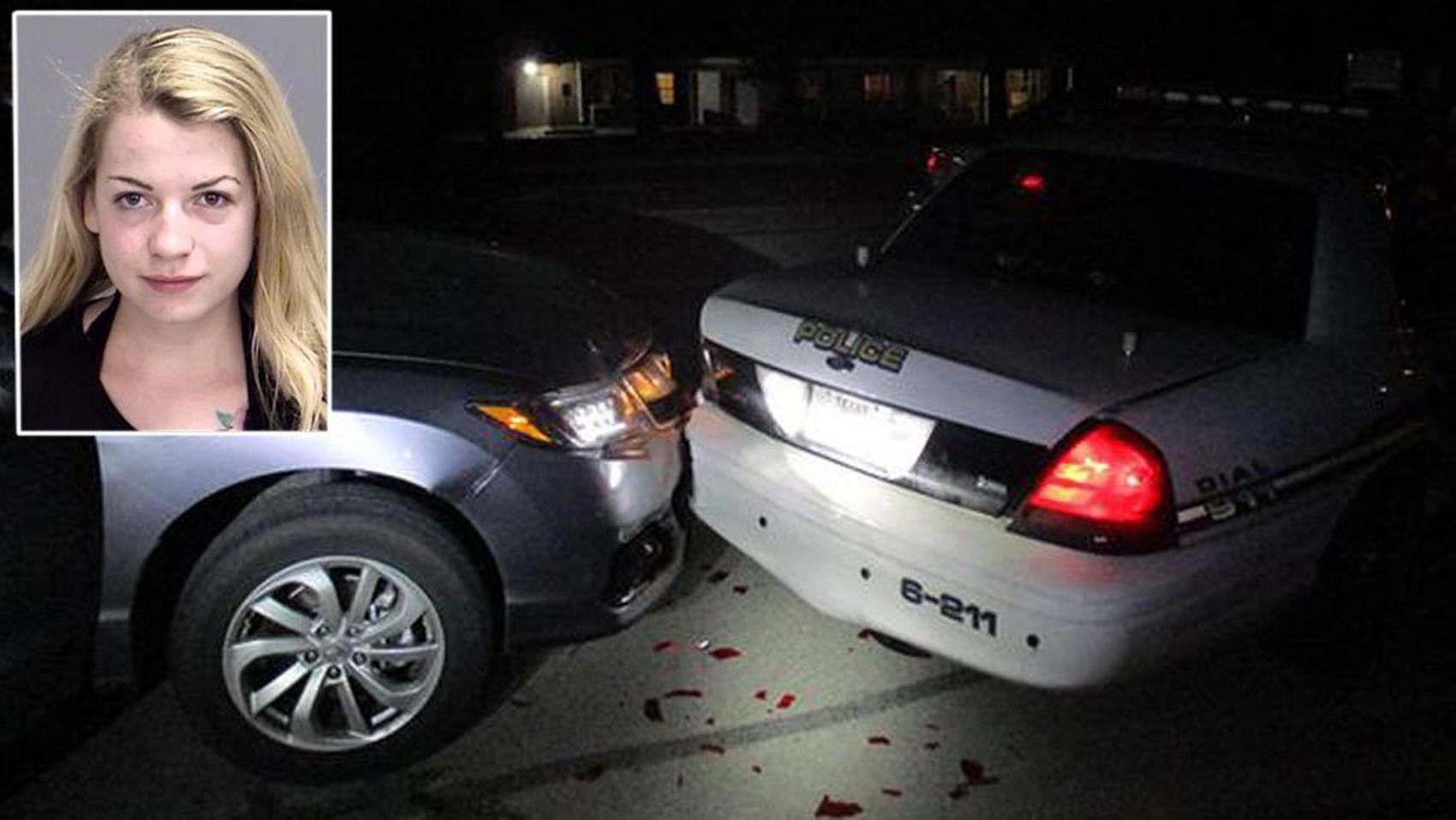 Miranda Rader enviava fotos de topless para o namorado quando seu veículo encontrou a traseira de uma viatura policial no Texas (Foto: Cortesia Polícia de Bryan/ BBC)