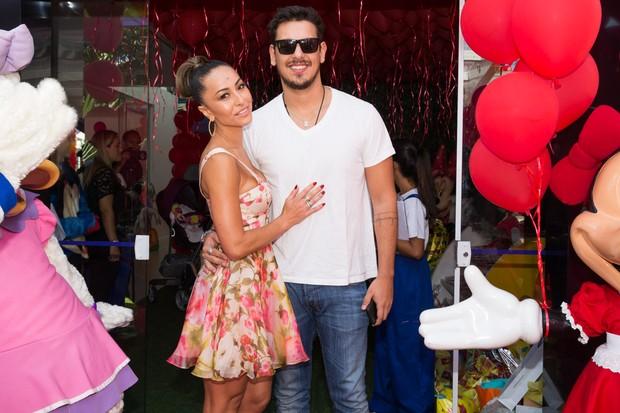 Sabrina Sato e João Vicente no Aniversário do sobrinho (Foto:  Manuela Scarpa e Marcos Ribas/Photo Rio News)