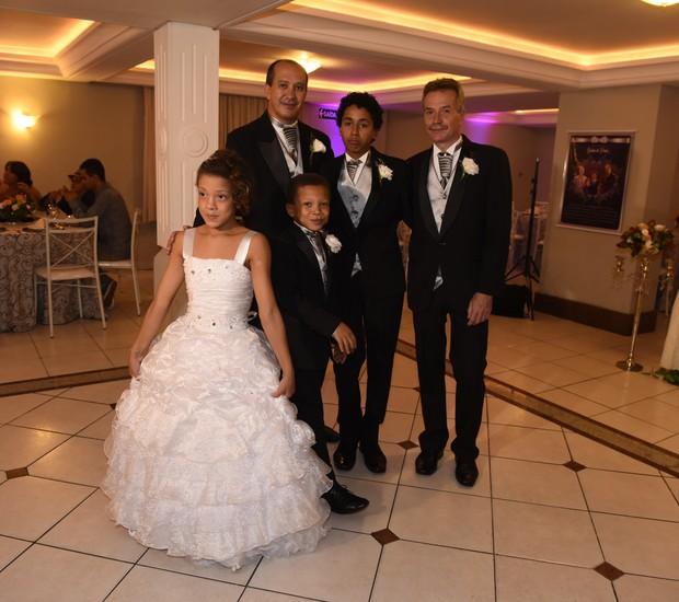 Toni, David e os três filhos (Foto: Arquivo pessoal)