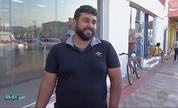 Montador encontra mais de mil reais e devolve ao dono