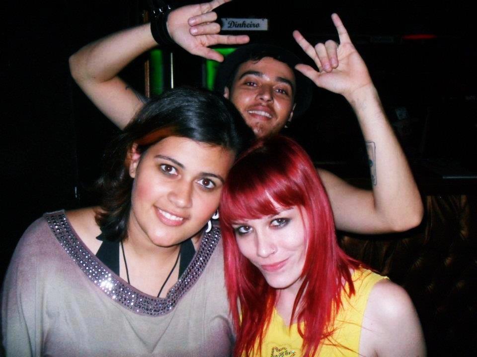 Priscila Monteiro já chegou a perder as aulas da faculdade para acompanhar a banda na estrada (Foto: Arquivo Pessoal)