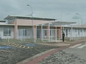 Creche de Nova Odessa está pronta, mas sem utilização desde novembro de 2012 (Foto: Reprodução EPTV)