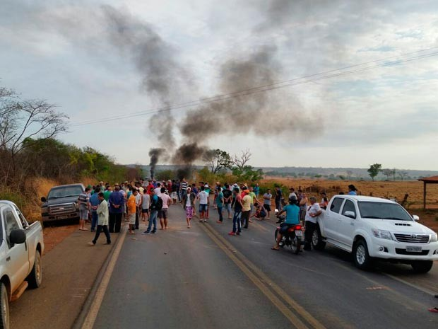 Grupo reivindica melhorias em rodovia estadual (Foto: Dorival Oliveira/Arquivo pessoal)