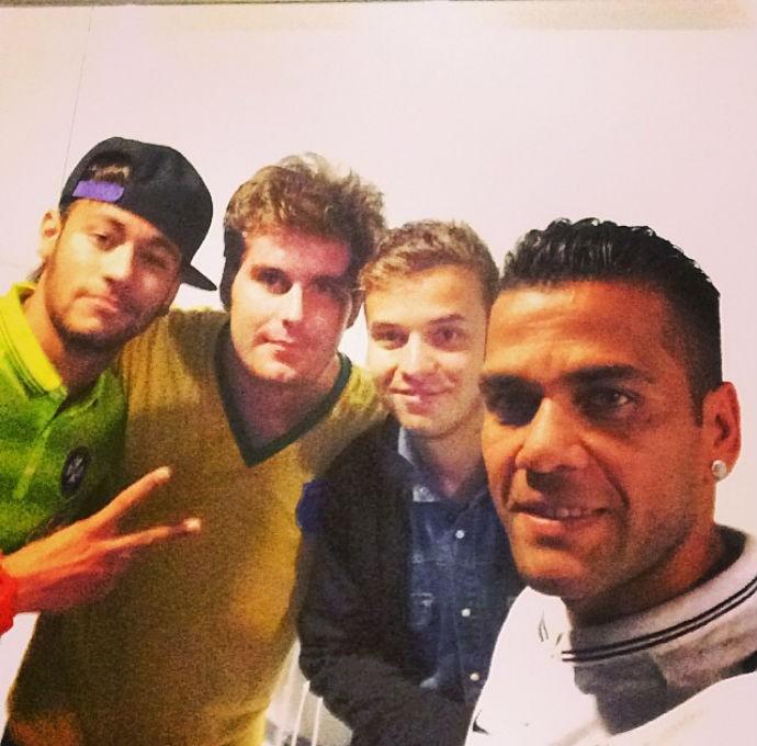 Neymar, Daniel Alves, Thiago Gagliasso e Thomás (Foto: Reprodução/Instagram)