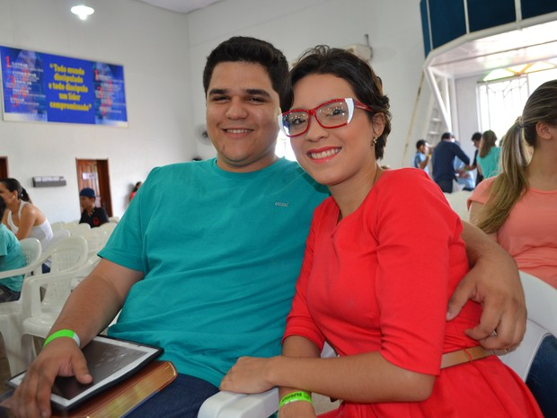 Daniel Lineke e Ammila Ayã namoram há três e dizem que com orgulho que escolheram esperar (Foto: Valéria Oliveira/ G1)