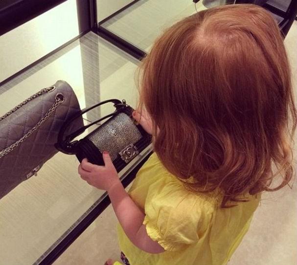 E o encanto dela pela bolsa Chanel? Essa é das nossas! (Foto: Reprodução/Instagram)