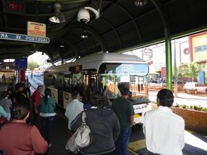 Ônibus híbrido é testado em Araraquara, SP (Foto: Divulgação)
