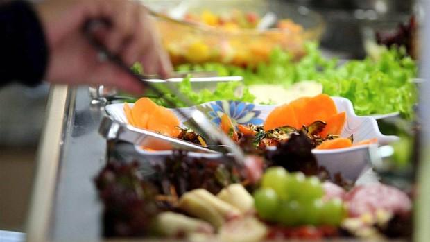 Restaurante self service (Foto: Píton / Futura Press)