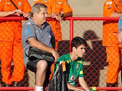 Oscar Fred Runco Luiz Rosan treino Seleção Brasil (Foto: Ivo Gonzalez/Agência O Globo)