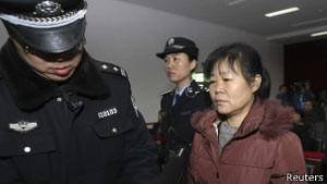 A obstetra chinesa  Zhang Shuxia (Foto: Reuters)