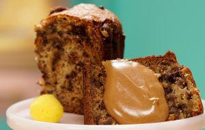 Receita de bolo de banana com chocolate e espuma de café
