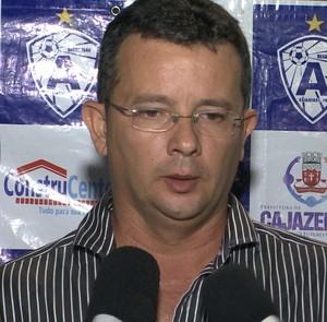 Tassiano Gadelha, técnico do Atlético de Cajazeiras (Foto: Reprodução / TV Paraíba)