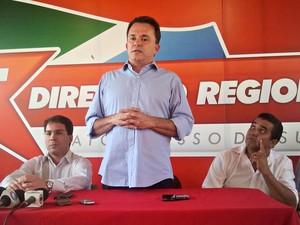 Vander Loubet anuncia apoio a Bernal no 2º turno (Foto: Hélder Rafael/G1 MS)