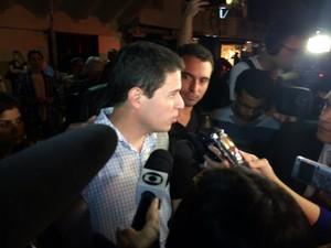 Eduardo Amaral foi mantido refém por mais de duas horas (Foto: Daniel Silveira/G1)