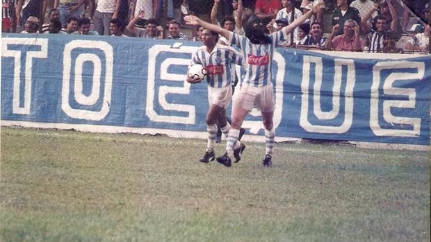 """Edil, jogando pelo Paysandu, incorporando o apelido de """"Carrasco"""" (Foto: Arquivo pessoal)"""